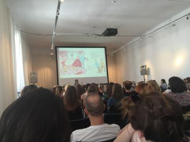 Pija Lindenbaum giving a lecture at full house